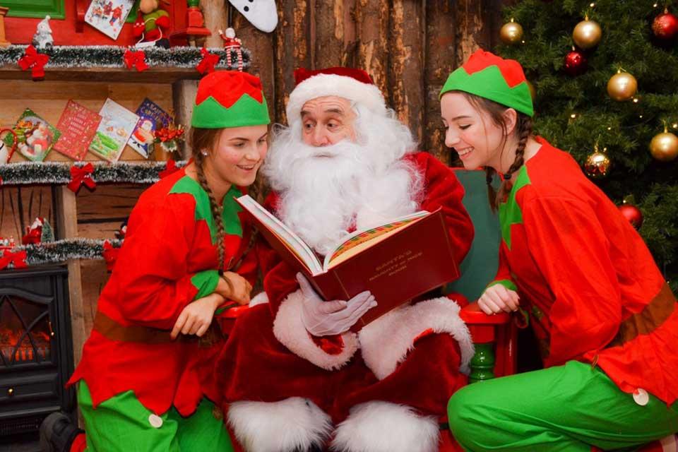 elves-with-santa