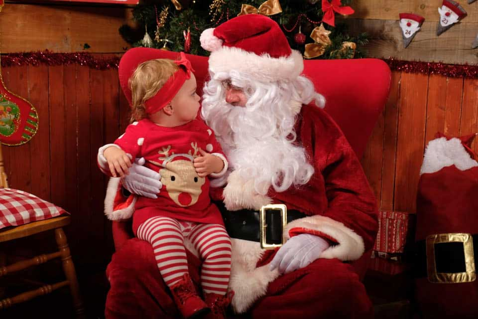 santa-with-baby-girl-on-lap