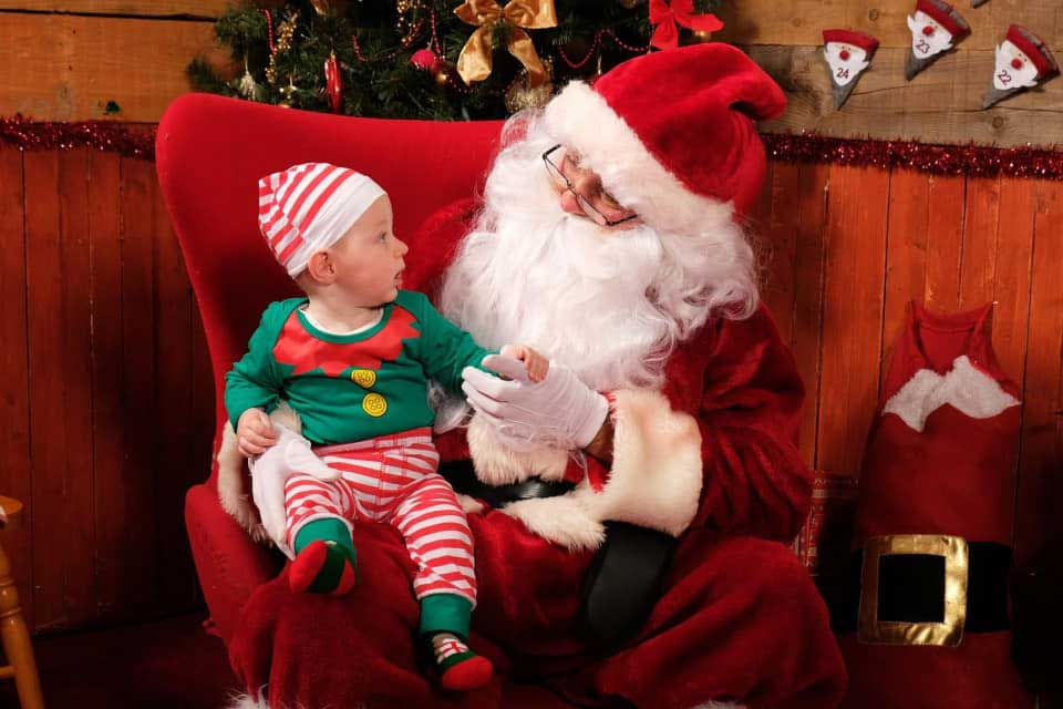 santa-with-baby-on-his-lap